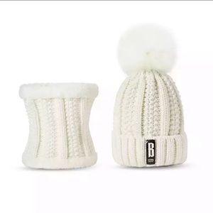 e9fc52479 Accessories   Sale Womens Winter Hat And Scarf Set   Poshmark